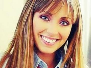Mia Colucci - Mía is the most popular and beautiful girl at Elite Way School. And because her father is a well-kn