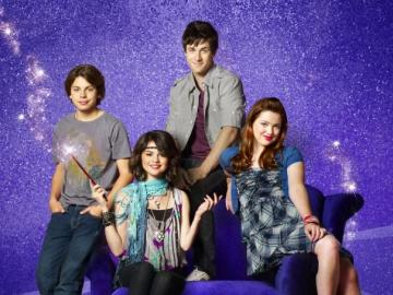 Wizards of Waverly Place - Alex, Justin and Max are siblings from the wizardry family. Every day they train magic, getting into