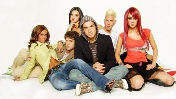 RBD: La Familia - RBD: La Familia (La Familia RBD) - Mexican sitcom, comparable to the American Friends, produced in 2