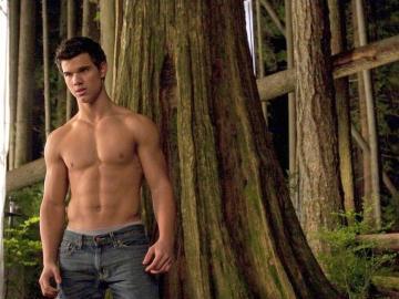 Taylor Lautner musclé - Taylor Lautner avait de la force et des muscles, mais s'il voulait que sa carrière d'actrice pr