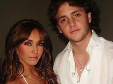 """Anahi et Ucker - Anahi et Christopher Uckermann se sont rencontrés en 1999 sur la telenovela """"Daniel and Friend"""