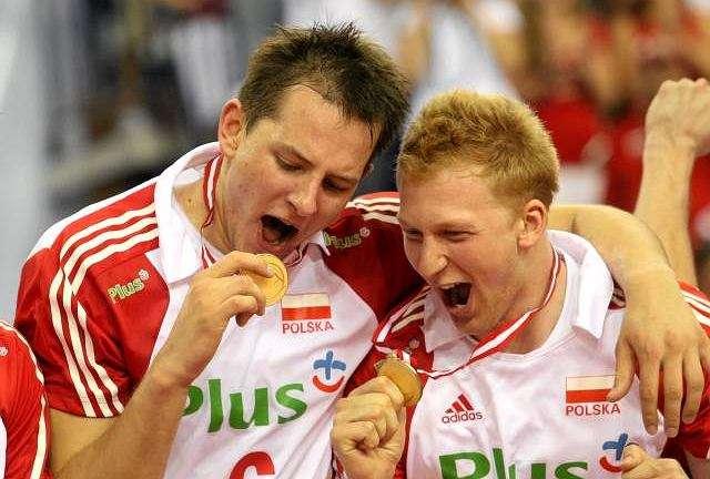 Bartosz Kurek och Jakub JAROSZ - Jakub Władysław Jarosz (född 10 februari 1987 i Nysa) - Polsk volleybollspelare som spelade attackerpositionen, en polsk representant. Asseco Resovia-spelare från säsongen 2017/2018. Bartosz Kami (10×8)