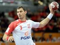 Krzysztof Lijewski - Krzysztof Lijewski är en polsk handboll som spelar i Vive Targi Kielce och det polska landslaget. H