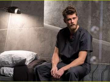 Luke Mitchell - Attore e modella australiana. Il più noto della serie H2O - solo una goccia dove gioca Will. Mitche