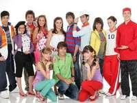 """Viva High School Musical - Efter Cristobals (Cristobal Orellanas helgdagar) upptäcker kaptenen för skolfotbollslaget """"Ja"""