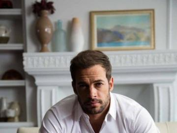 William Levy - He appeared for the first time in the Isla de la Tentación television reality show. Then he signed