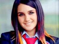 Robert Pardo - herečka - Dulce María se narodila 6. prosince 1985 v mexickém městě. Má dvě starší sestry, Blanche a C