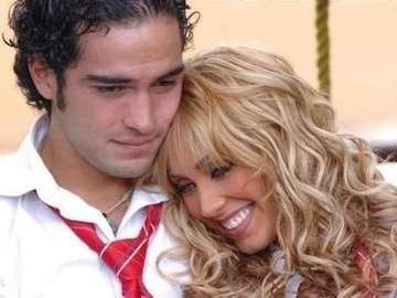 Mia y miguel - Mia y Miguel, una pareja de la serie de televisión Rebeldes.