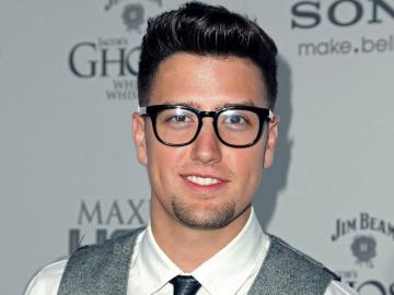 Logan Henderson - Henderson was born and raised in Texas. He seriously began to think about acting at the age of 18, w