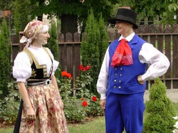Disfraz de cieszyn - Traje de Cieszynski, o Walaski, uno de los trajes folklóricos de Silesia usados por el grupo