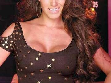 Anahi Mundo.! - Singer and actress.!