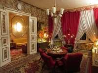 Cameră roșie - Camere mobilate elegant
