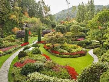 Plezier voor het oog - Mooie grote tuin op de heuvel
