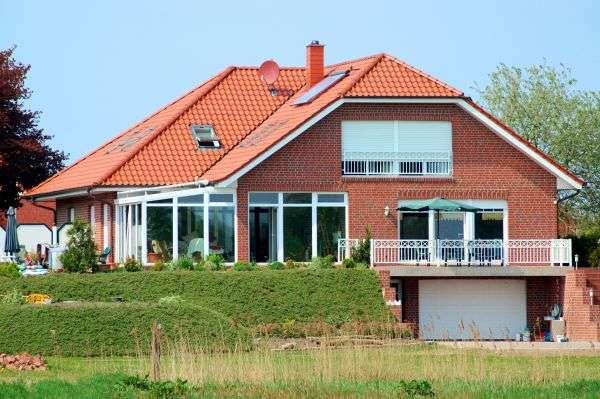 Una enorme villa - Una gran casa junto al estanque (10×7)