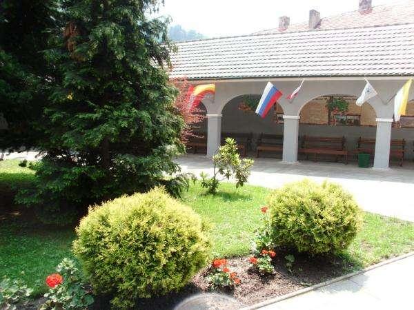 Градът близо до Kłodzko - Интересен исторически град (10×10)