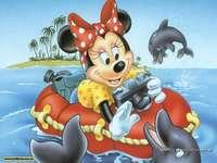 мини мишка с делфин