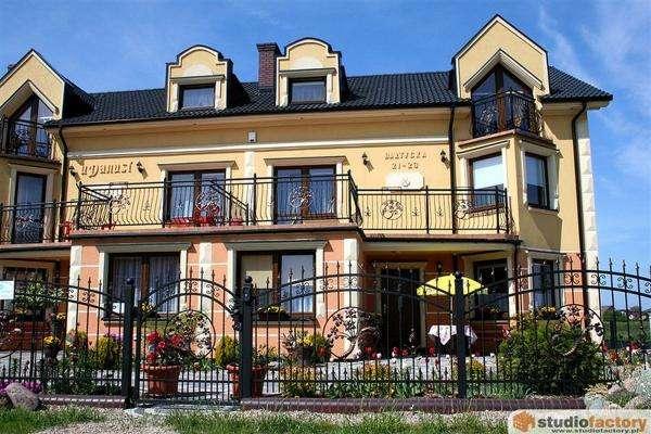 villa com Danusia - villa com Danusia no jardim (10×10)