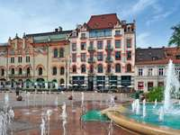 Tausendjaehriges Krakau - Rynek starren budowle ich fontanna an