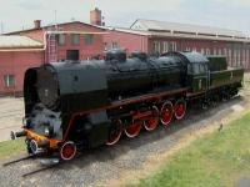 Historic steam locomotive. - Parowóz zabytkowy w Tarnowskich Górach.