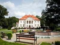 Pałac i park - Opatów zamek. Tłokinia Kościelna i Opatówek. Tłokinia  Kościelna atrakcje.