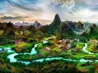 gårdar, åkrar, flod, Kina