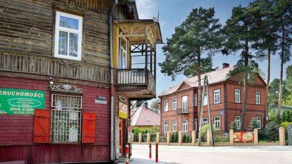 Drewniana budowla - Stare miasto i letnisko Otwock
