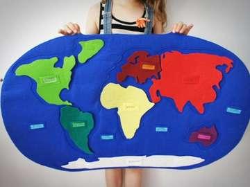 world map and continents - kula ziemska zarys kontynentow