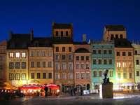 città vecchia a Varsavia - piękne kamieniczki na Starym Mieście w Warszawie