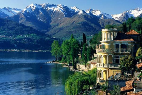 vedere din vila de pe Lacul Como (10×10)