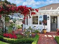 dům, zahrada, květiny, židle
