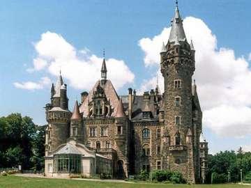 Kasteel Moszna - Probeer het kasteel te regelen.