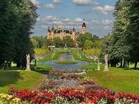 Schwerin in Duitsland - kasteel gelegen op het museumeiland in het centrum van Schwerin. Is de zetel van het parlement van M