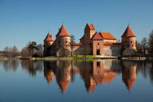 mic castel - Castelul frumos din Lituania, Trakai (5×5)