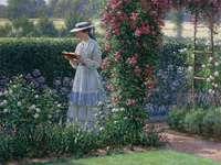 čtená žena v zahradě
