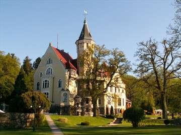 Pałac Bursztynowy - Hotel Bursztynowy Pałac to jedno z najbardziej wyjątkowych miejsc zachodniego Pomorza, to malownic