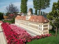 MINIEUROLAND - Parque miniatur w Kłodzku. Uniwersytet Wrocławski - ma ponad 300-letnią historię. Główny jego