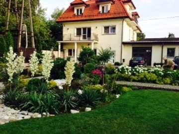 jardín trasero - dom z ogrodem w miescie