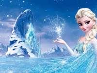 Елза си приготви леден дворец
