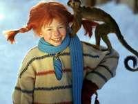fată cu părul roșu