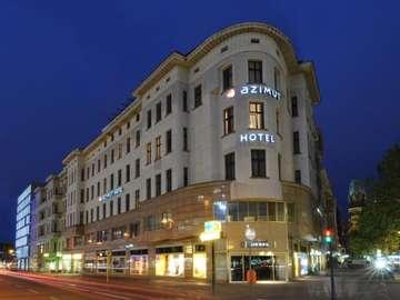 Berlin - hotel Azimut - clădire, hotel, seară, lumini