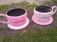 decorative set - dwie różowe doniczki na kwiaty