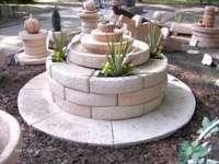 garden fountain - fontanny do wyboru beżowe
