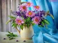 bukiet kwiatów - różowych stokrotek bukiet
