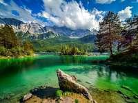 vara la munte - nori, munte, apă, insulă, pietre