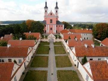 Over Wigry - Kościół i budynki dawnego klasztoru Kamedułów