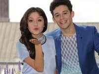 Luna y Matteo = Lutteo - Esta pareja se conoció cuando Matteo estaba de vacaciones en Cancún. La ciudad natal de Luna. Ambo