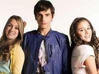 Chica Vampiro - Chica Vampiro. Teen vampire (org. Chica vampiro, 2013) - Colombiaanse soap voor jongeren gemaakt doo