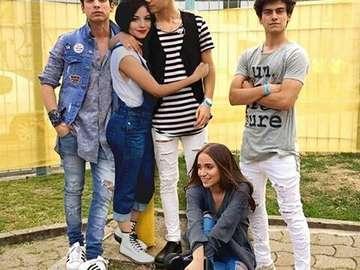 Soy Luna - Soy Luna – argentyńska telenowela, która pojawiła się na ekranach 16 marca 2016 roku