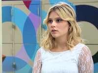 Ámbar Smith - Ámbar Smith - a sorozat főszereplője, a rangos Blake South Collage iskolában tanuló, Buenos Air