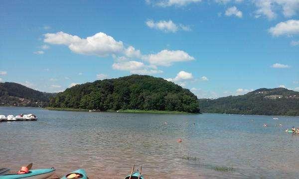 viaje al lago roznow - Viaje al lago roznow. Hermosa vista del lago Roznowskie. Hermosa vista del lago. Hermosa vista del lago roznowskie (2×2)